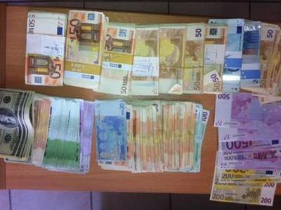 ΜΟΝΟ ΣΤΟ THEBEST.GR: Συγκλονίζει η υπόθεση καταγγελίας χρηματισμού του Προϊσταμένου του ΣΔΟΕ Δυτικής Ελλάδας - Βρέθηκαν στο σπίτι του 47.000 ευρώ