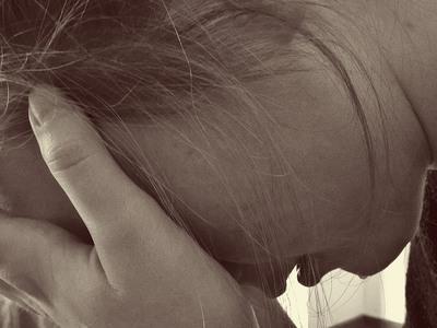 Γολγοθάς για 22χρονη μητέρα στα Λεχαινά – «Πώς να δουλέψω με ένα χέρι;»