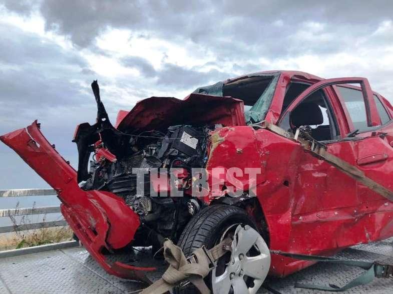 Δύο νεκροί σε τροχαίο δυστύχημα με σφοδρή μετωπική σύγκρουση 2 ΙΧ στο ύψος των Καμινίων στην καρμανιόλα της Πατρών – Πύργου (photos)